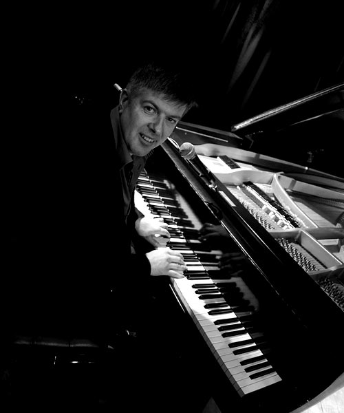 Neal Richardson | Pianist, Vocalist & Songwriter
